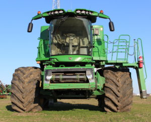 GY IF LSW Deere Combine Front