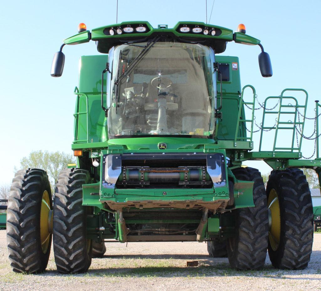 GY Row Crop Duals Deere Combine S680 (2)